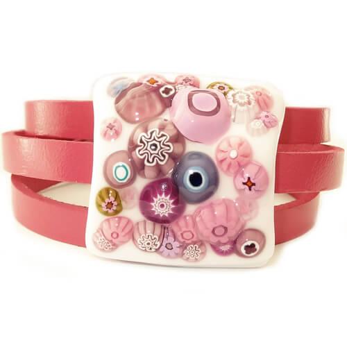 Creatie van glasfusing met leren wikkel armband