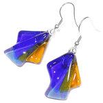Blauw met amber-gele glazen oorbellen. Lange oorhangers van speciaal glas.