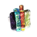 Exclusieve RVS ring met speciaal glas in groen, paars, koper en geel-goud kleuren