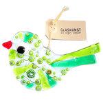 Heldere glazen vogel met helder groen glas en diverse groene millefiori accenten. Glazen tuinvogel uit eigen atelier!