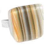 Verstelbare RVS-edelstaal ring met glaskunst cabochon van gestreept glas in oranje, wit en bruine tinten. Diameter glazen caboc