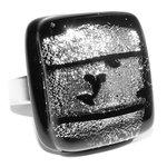 Edelstaal/RVS ring met zwart en luxe zilveren glazen cabochon.