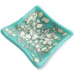 Glazen schaaltje (theetipje,waxinelichthouder) van lichtblauw glas met aparte grijs-ivoorwitte effecten.