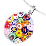 Kleurrijke glazen hanger met gekleurde millefiori figuren zoals bloemen, sterren en cirkels. Glashanger voor aan een ketting.