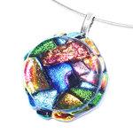 Prachtige gekleurde glashanger gemaakt van speciaal glas in alle kleuren van de regenboog!