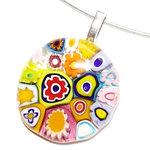 Prachtige glazen hanger met felgekleurde Murano millefiori in de mooiste figuren!