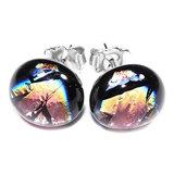 RVS edelstaal oorstekers gemaakt van zwart met multicolor glas met speciale verkleurende gloed.