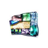 Handgemaakte speld van kleurrijk dichroide glas. Multicolor speld om je kleding mee op te fleuren!