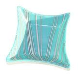 Lichtblauwe schaal met witte strepen