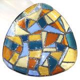 Grote driehoekige glazen schaal met mozaiek glasfusing