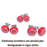 Rood witte oorknopjes van speciaal glas. Diverse afmetingen verkrijgbaar!