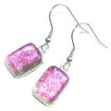 Roze oorbellen gemaakt van prachtig roze glas! Luxe lange oorhangers uit eigen atelier.