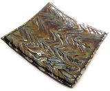 Handgemaakte vierkant glazen schaal van luxe metallic iriserend glas!