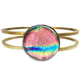 Brons armband met roze glazen cabochon van dichroide glas!