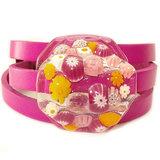 Handgemaakte roze - gele armband! Roze leren wikkelarmband met handgemaakt roze-gele glazen cabochon!