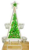 Groene kerstboom van gerecyclede bierflesjes en versiering van koperdraad met kleurrijke glaskralen.
