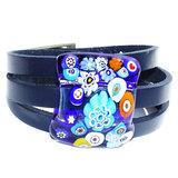 Blauwe leren armband met glazen cabochon van kleurrijk blauw millefiori glas!