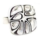 RVS edelstaal ring met zwart-wit glazen cabochon.