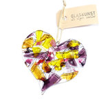 Glazen hart hanger om op te hangen in huis of tuin. Gemaakt van gekleurd glas in roze, paars, amber en geel tinten.