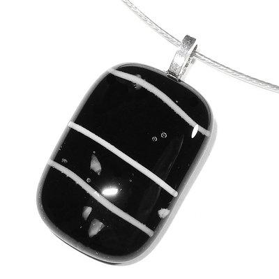Glashanger Black Vs. White