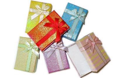 Luxe gekleurd cadeaudoosje met strik, per stuk