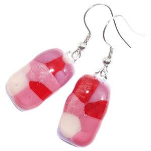 Glazen oorbellen handgemaakt van lila glas met roze, rode en witte accenten!