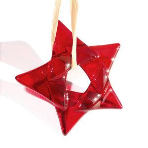 Rode glazen kerstster van prachtig helder donkerrood glas! Glazen kerstster om op te hangen.