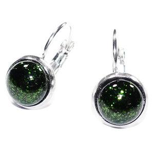 Donkergroene glazen oorbellen van RVS-edelstaal met groen glas.