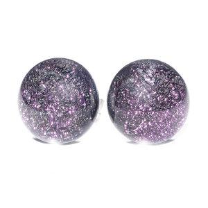 Luxe paarse glazen oorknopjes van prachtig glinsterend glas! Handgemaakte oorbellen.