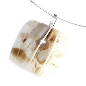 Glazen hanger van bruin, grijs en ivoor-wit glas.