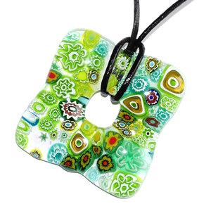 Handgemaakte groene ketting glashanger voor een een koord of veter. Gemaakt van Italiaans millefiori glas uit Murano.