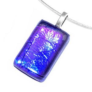Luxe blauwe ketting hanger handgemaakt van speciaal glas!