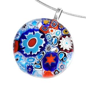 Ronde blauw met rode glas hanger voor aan een ketting. Glashanger gemaakt in eigen atelier van het bekende Italiaanse Murano gl