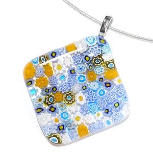 Unieke glazen hanger voor aan een ketting.  Handgemaakt van blauw en geel millefiori glas uit Italië.