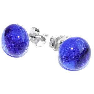 Heldere blauwe glazen oorstekers van prachtig blauw glas!