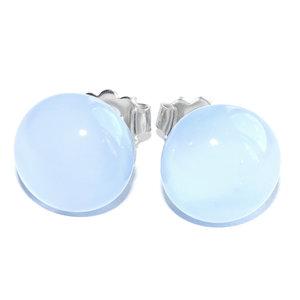 Handgemaakte oorstekers van heel subtiel lichtblauw glas! Echt super gaaf kleurtje!