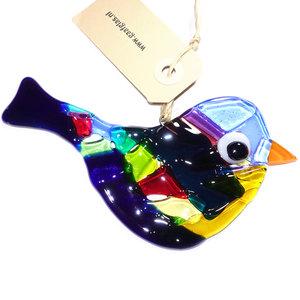 Glazen vogel hanger van helder donkerblauw glas gecombineerd met rood, paars, groen en gele kleuren.