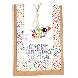 """Vrolijke verjaardagskaart """"Happy Birthday"""" en een kleurrijk millefiori vogeltje. Dubbele kraft kaart incl. envelo"""