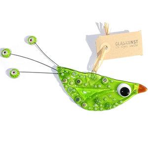 Grote groene vogel van glas om op te hangen in huis of in de tuin. Unieke glazen hanger uit eigen atelier!