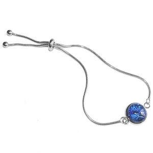 """Verstelbare edelstaal armband met prachtige blauwe glazen """"eyecatcher""""! Glasfusing armband uit eigen atelier."""
