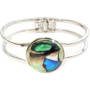 Zilverkleurige armband met prachtig glazen kunstwerkje van mintgroen, groen en blauw glas!