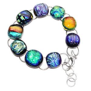 RVS armband met glaskunst. Unieke rvs edelstaal armband met glazen cabochons in groen, blauw en oranje tinten.
