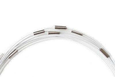 Witte ketting (spang) met draaisluiting, 53 cm.