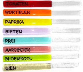 Handgemaakte glazen groente labels van kleurrijk glas. Set van 8 stekers