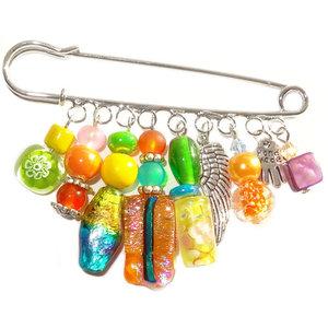 Handgemaakte grote broche speld met diverse kleurrijke glaskralen!