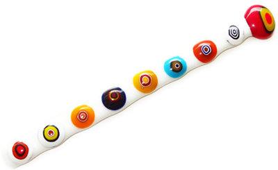 Wit glazen roerstaafje met kleurrijke multicolor cirkels!