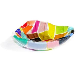 Kleurrijke glazen schaaltje van prachtig gekleurd glas. Diep glasfusing kommetje van vrolijk gekleurd glas.