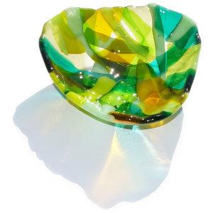 Groene glazen schaal, handgemaakte glasfusing schaal van het mooiste groen-gele glas.