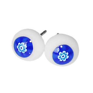 Handgemaakte wit met blauwe millefiori oorknopjes!