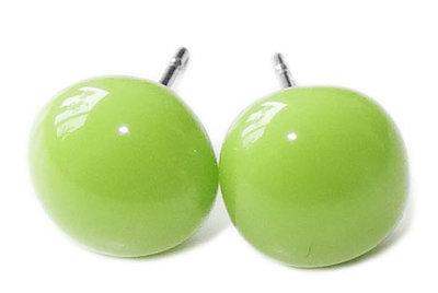 Handgemaakte oorstekers van opaal groen glas > Chirurgisch staal oorbellen
